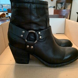 Frye Harness Booties Size 8 Black